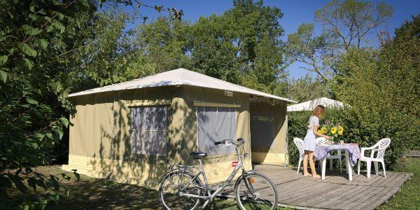 Bungalow toilé Camping la Confluence